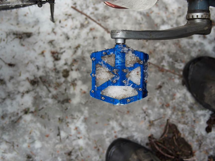 snow pedal